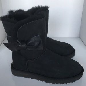 1a22fe34429 ❤️New Ugg Daelyn Leather Black Bow Suede Boot sz 6